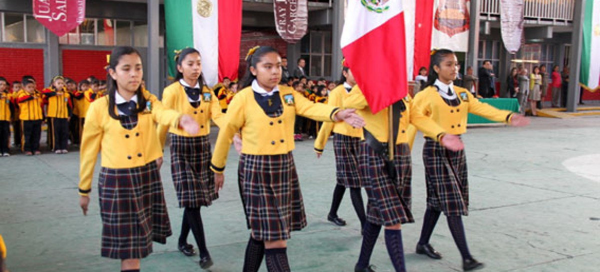 Obligan a escuelas del Edomex a comenzar clases con discurso de gratitud hacia Peña y Eruviel