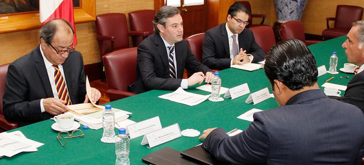do 396.- Revisan secretario de Educación Pública y gobernador de Oaxaca estrategia de seguridad para aplicar Evaluación del Desempeño