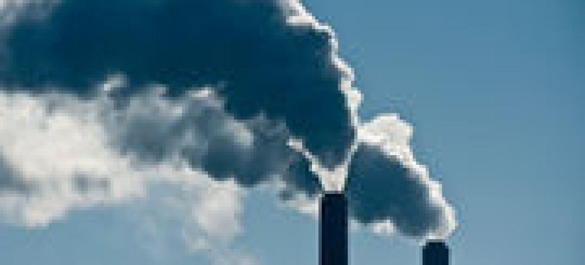 Vinculan el smog con las enfermedades cardiacas en las personas mayores