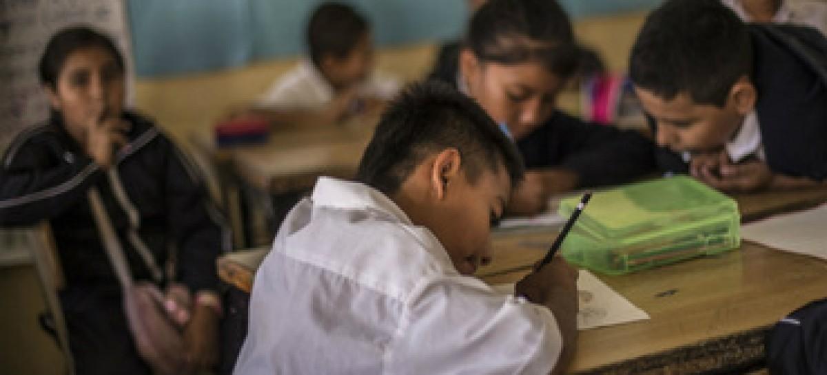 Peña Nieto envía al Senado reforma sobre calendario escolar