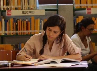 Publica SEP convocatoria 'Proyecta 100 Mil' para otorgar becas de estudio del inglés