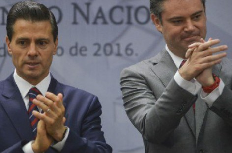 """El gobierno """"es y seguirá siendo absolutamente respetuoso"""" de la autonomía del IPN: Peña Nieto"""